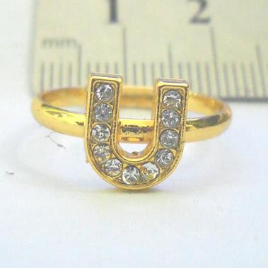 Pernik Lucu Cincin Huruf warna Emas dengan huruf U, berhias diamond